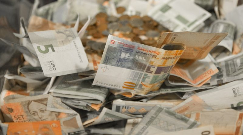 padělané peníze