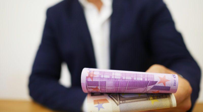 Nebankovní půjčka vás může dostat do krize. Poznejte, jestli je fér